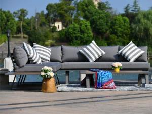 elegant outdoor sofa set