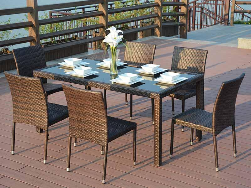 PE rattan dining table